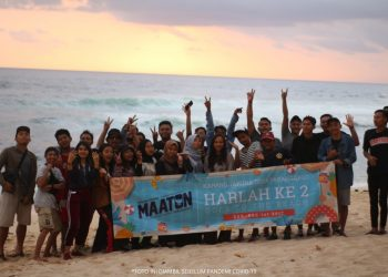 Pengurus Karang Taruna Maaton Desa Parangargo Harlah ke-2 Goes To The Beach