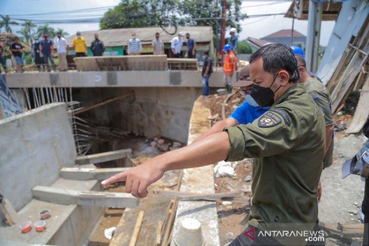 Bupati Bogor: Jembatan Kampung Situ Asem rampung akhir Oktober