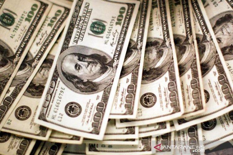 Dolar mundur dari level tertinggi 1 tahun setelah rilis data inflasi