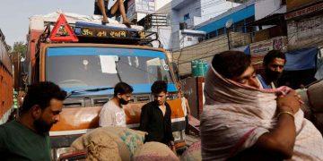 Kerala lockdown saat COVID-19 India mulai turun