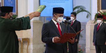 Presiden Jokowi saksikan sumpah jabatan Kepala PPATK 2021-2026