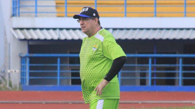 Sering Dipakai, Persib Cemaskan Kondisi Rumput Venue Seri Kedua Liga 1