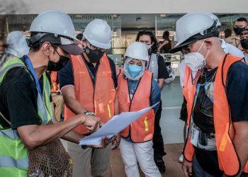 Siaran Pers : Menparekraf Sebut Akan Ada Elemen Kejutan Saat Pembukaan dan Penutupan PON XX Papua - PEDULI COVID19