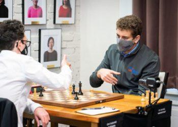 US Chess Champs 5: Naroditsky beats Caruana