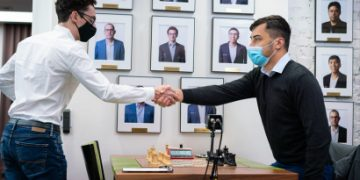 US Chess Champs 8-9: Caruana back in the hunt