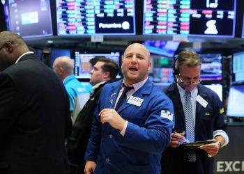 Wall Street menguat Indeks Dow Jones dan S&P ditutup di tertinggi baru