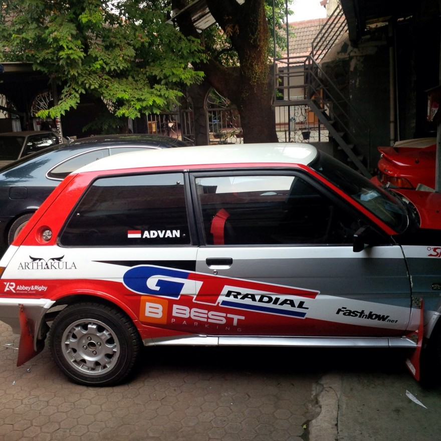 advannov mobil rally GT Radial Best parking rally team