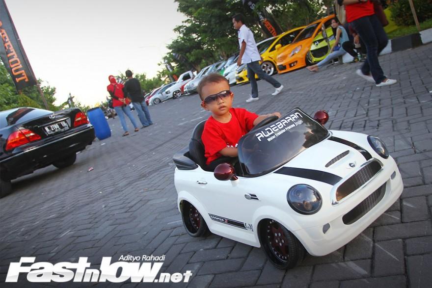 Car meet out HTJRT Yogyakarta Sindu park 36