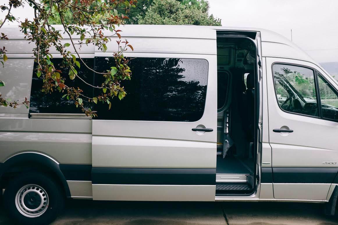 5 Cara Murah Merawat Pintu Geser Pada Mobil Anda
