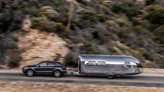 Trailer Bernilai Fantasis, Siap Road Trip Kemana Saja